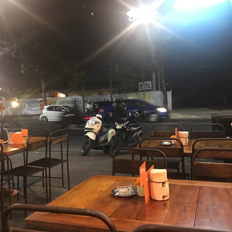 バリ島 ディナー おすすめ クタ さてハウステラス席