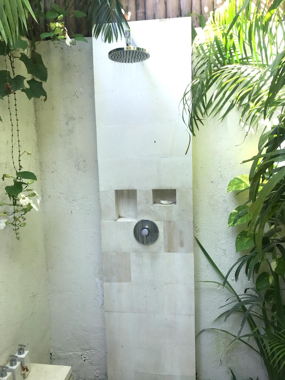 ヴィラ バリ アスリ バツベリグ 口コミ シャワー