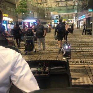 バリ島 飛行機 遅延 乗り継ぎ失敗 シンガポール航空