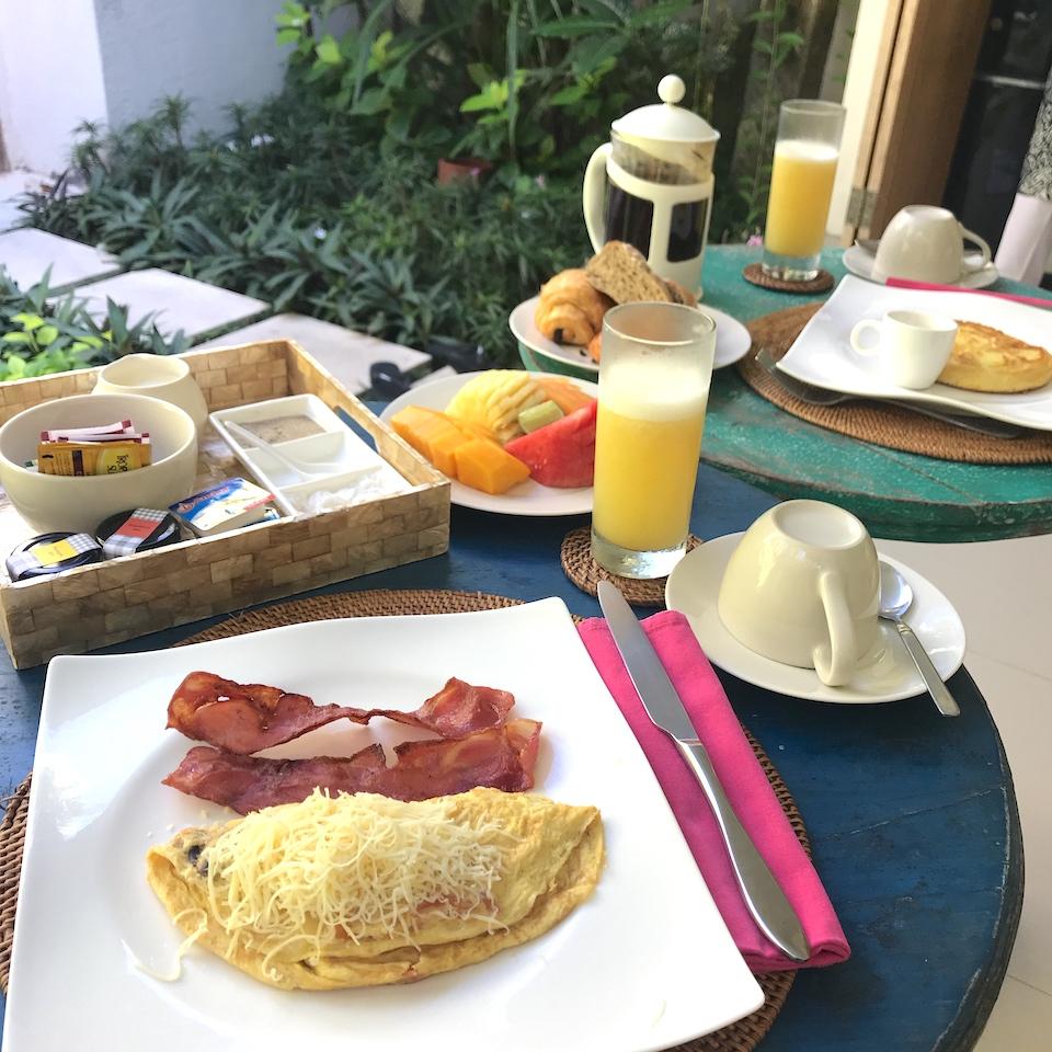 ヴィラ バリ アスリ バツベリグ 口コミ 朝食