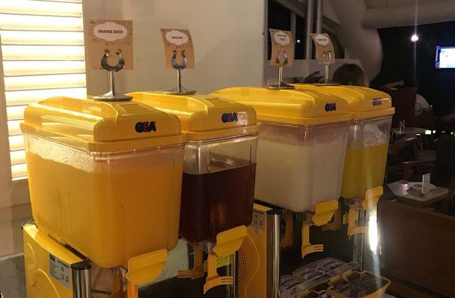 バリ島 空港ラウンジ t/g 飲み物