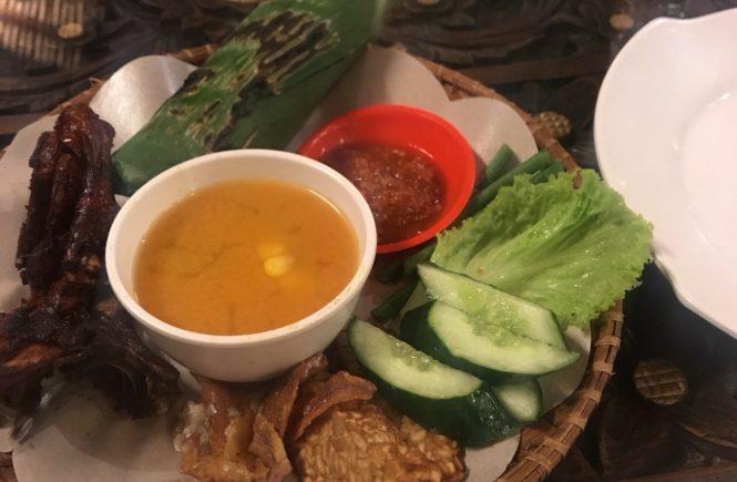 バリ島 インドネシア料理 ディナー ナシコンプリート
