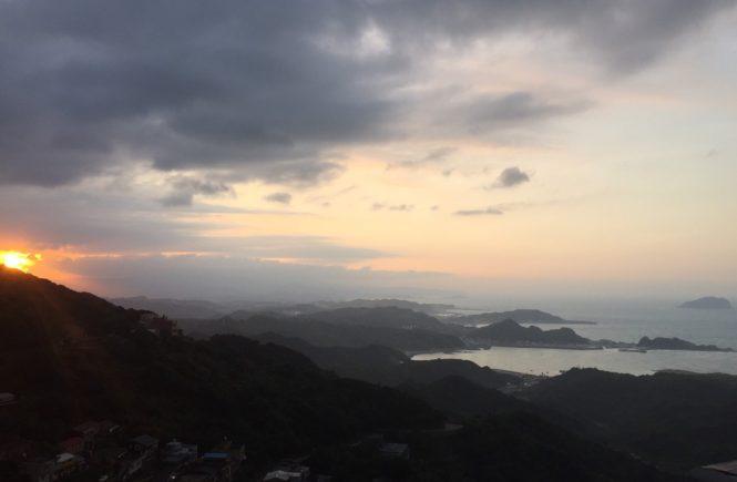 九份 時間 おすすめ 夕暮れ 絶景 海